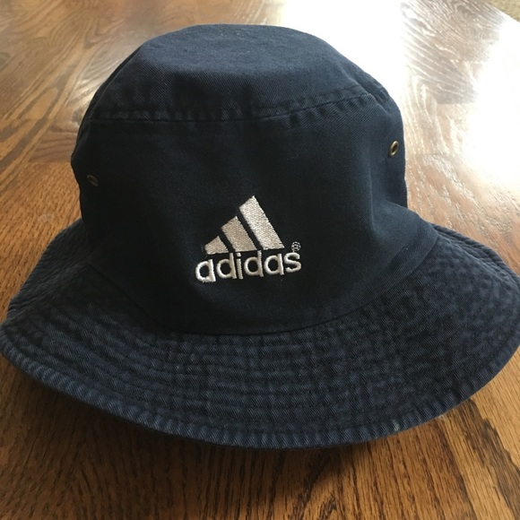 8c3e0e60815 adidas Other - Men s Vintage Adidas bucket hat